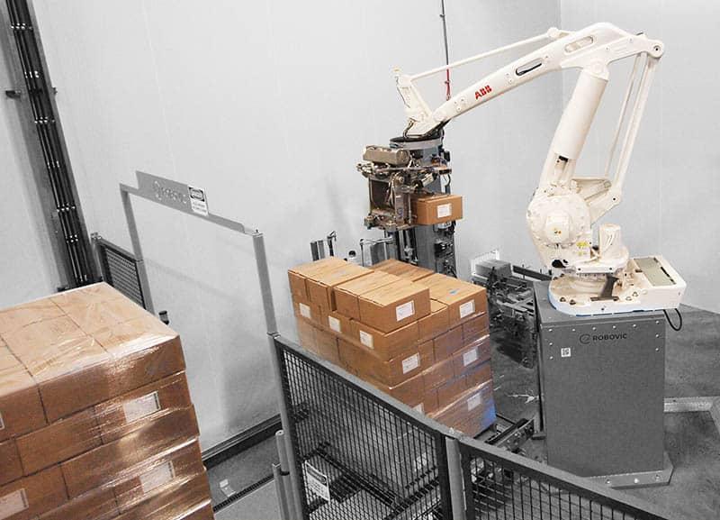 robot palettiseur en action