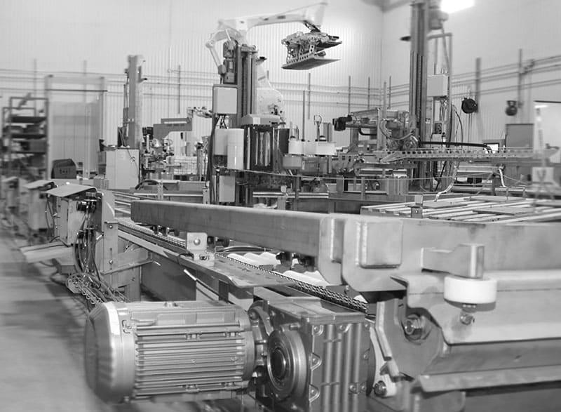 ROBOTS DE PALETTISATION EN PHASE DE MONTAGE